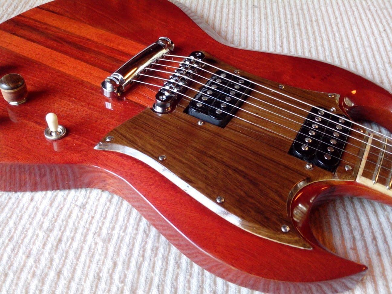 Modelo SG de Raffaelli Guitarras
